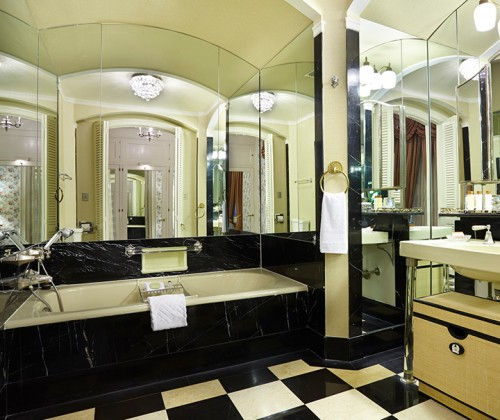 The Waldorf Astoria Presidential Suite Bathroom